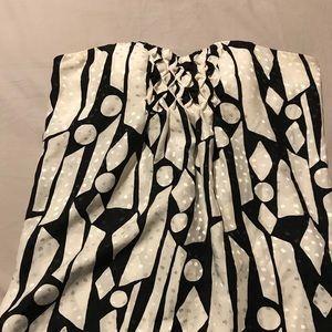 Women's strapless top
